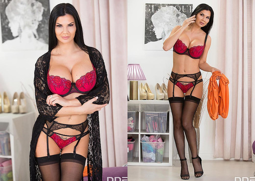 Jasmine Jae - Bombastic Boobs Jizzed On! - Hardcore Nude Gallery