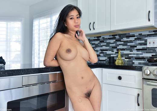 Jade - Nudes In The Kitchen - FTV Girls - Solo Hot Gallery