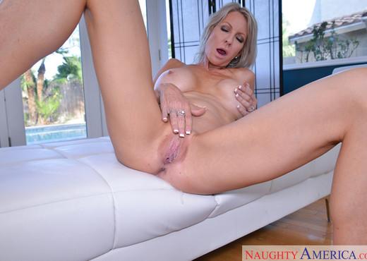 Emma Starr - My Friend's Hot Mom - MILF Porn Gallery