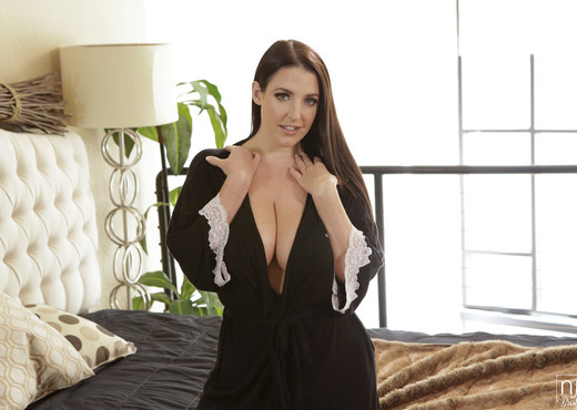 Angela White, Ryan Driller - Bountiful Breasts - S4:E2 - Hardcore Hot Gallery