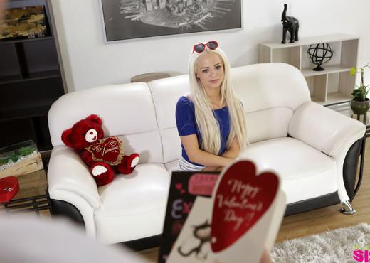 Elsa Jean - Valentine Fuck - S4:E4 - Bratty Sis - Hardcore Sexy Gallery