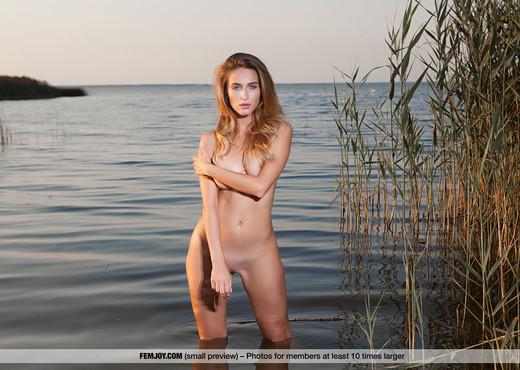 Naked Superbeauty - Rena - Femjoy - Solo Sexy Gallery
