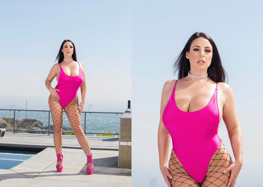 Angela White's Ass Receives Maximum Penetration - Anal Porn Gallery