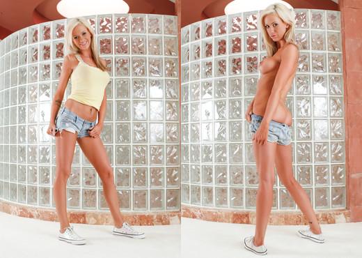 Kaylee Hilton, Claudio - Fucking My Stepdaughter - Hardcore Image Gallery