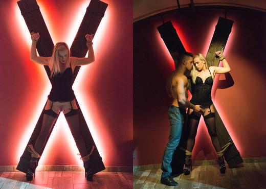 Vinna Angelo - X Marks The Spot - X-Art - Hardcore Nude Pics