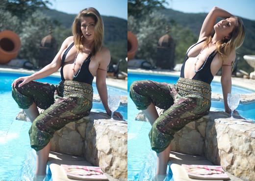 Petra D - Pool Fasion - Hayley's Secrets - Solo Nude Gallery