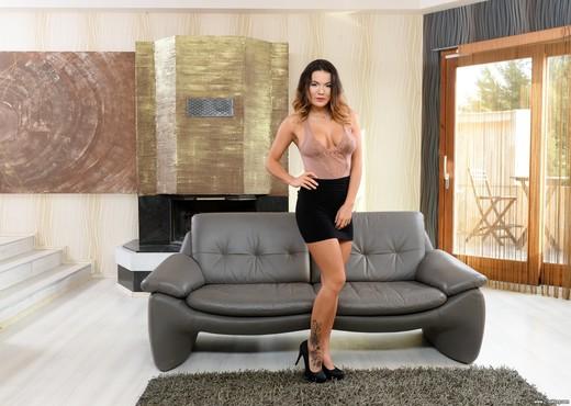 Vanessa Decker - The Beauty & The Dick - 21Sextury - Hardcore Porn Gallery