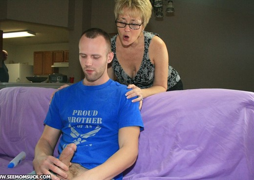 Hot Wife Tracy - Hottie Wife Tracy - See Moms Suck - Blowjob Image Gallery