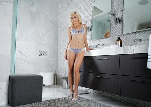 Eliza Jane - InTheCrack - Solo Porn Gallery