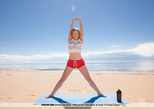 Nude Yoga - Lee D. - Femjoy - Solo Hot Gallery