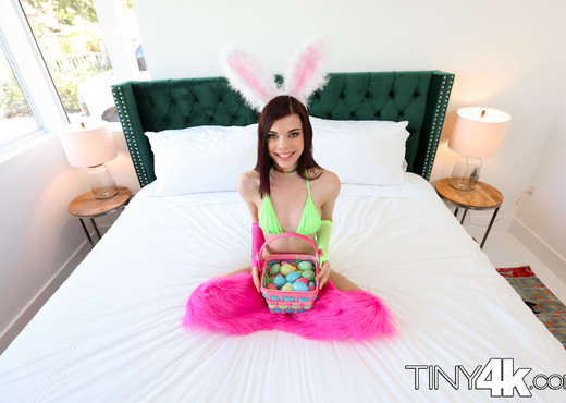 Audrey Grace - A Tiny Easter - Tiny 4K - Hardcore Nude Gallery