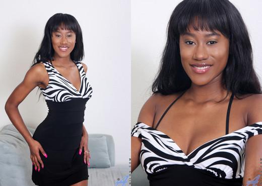 Rio Malandro - Vibe Orgasm - Anilos - MILF Sexy Photo Gallery