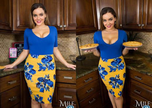 MilfVR - American Pie - Natasha Nice - MILF Hot Gallery
