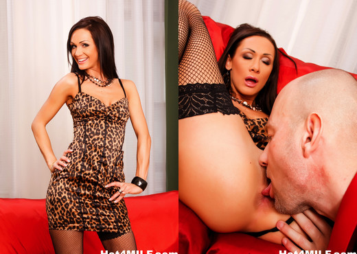 Euro pornstar Cynthia returns for more anal fucking - Anal Sexy Gallery