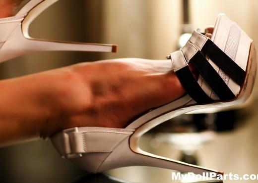 Kayla Jane Danger's sexy feet in some sky high heels - Feet Image Gallery