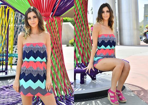 Hollie - Modeling The Sun Dress - FTV Girls - Solo Hot Gallery