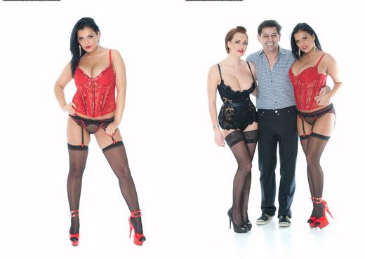 Jasmine Black and Paige Ashley enjoy some anal sex - Pornstars Sexy Gallery