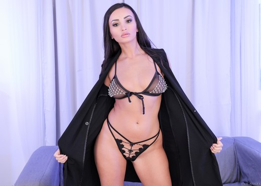 Alyssia Kent - Big-Assed Alyssia Fucked n' Spunked - Hardcore Sexy Photo Gallery