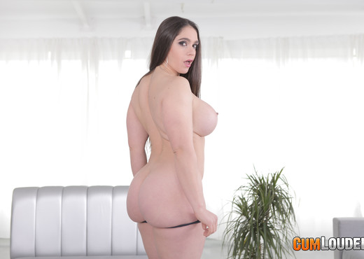Marta La Croft - Generous and Sinuous - CumLouder - Hardcore Nude Gallery