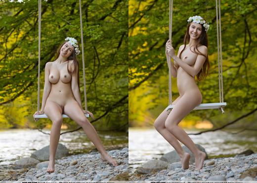 Swing Me Softly - Alisa I. - Femjoy - Solo Nude Pics