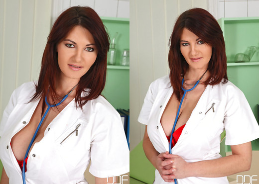 Vanessa, Klaudia Hot - Big Boobs Rock The Clinic! - Lesbian Porn Gallery