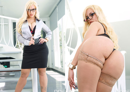 Blondie Fesser - Stacked Blonde Fucked Hard - Hardcore Nude Gallery