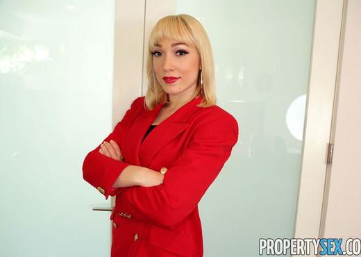Lily Labeau - Property Sex - Hardcore TGP