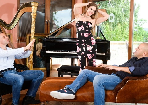 Nicole Pearl - The Classical Musician - 21Sextury - Hardcore Image Gallery