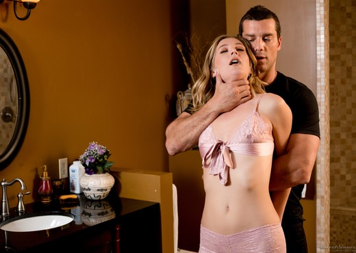 Mona Wales - Stranger Danger! - Mile High Media - Hardcore Sexy Photo Gallery