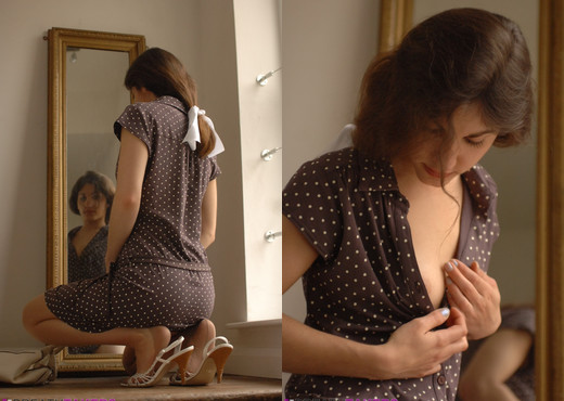Steffi - Granny's Undies - BreathTakers - Solo Porn Gallery