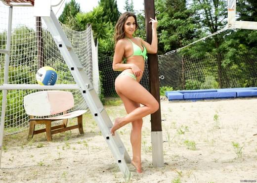 Amirah Adara - Balls Deep - 21Sextury - Anal Porn Gallery