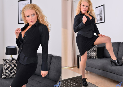 Rebecca Jane Smyth - Looking Good - Anilos - MILF TGP