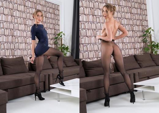 Alexis Crystal - InTheCrack - Solo Nude Gallery