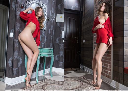 Visit Me - Luna Moonie - Femjoy - Solo Nude Pics