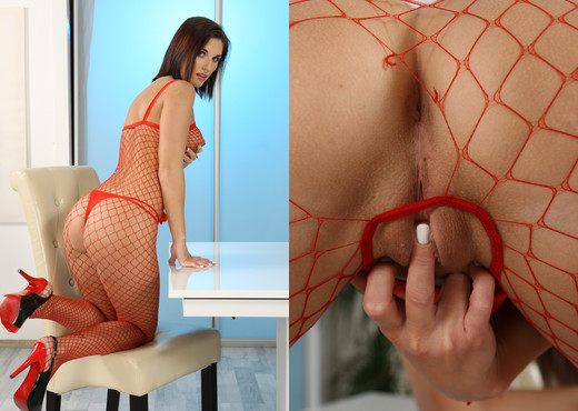 Wet and Puffy - Jenifer Jane - Toys Hot Gallery