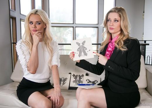 Charlotte Stokely, Elsa Jean - Lady Boss: Lesbian Interview - Lesbian Nude Gallery