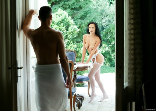 Nicole Love - Morning Miracle - 21Naturals - Anal Nude Pics