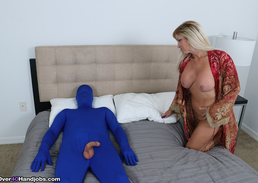 Dani Dare and the mystery man - Over 40 Handjobs - MILF HD Gallery