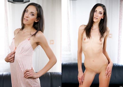 Antonia Sainz, Miki Torrez - Kiss Me & Fist Me - 21Sextreme - Fisting Porn Gallery