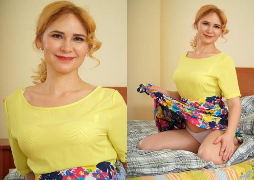 Adelis Shaman - Sexy Russian - Anilos - MILF Image Gallery