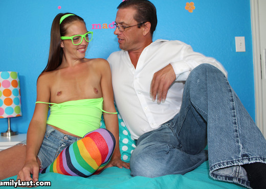 Maddison Hardy - Step Dad Cums On Her Asshole - Family Lust - Hardcore TGP