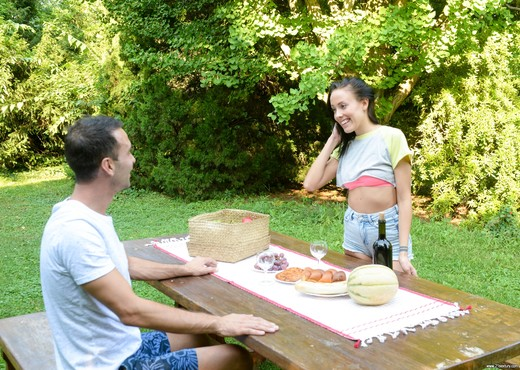 Lexi Layo - Deepthroat Picnic - 21Sextury - Blowjob Sexy Photo Gallery