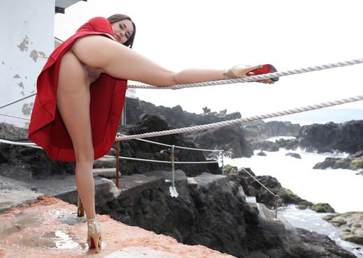 Girl In Red - Li Moon - Watch4Beauty - Solo Porn Gallery