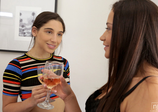 Abella Danger, Avi Love - Her First Threesome - S29:E3 - Hardcore Sexy Gallery