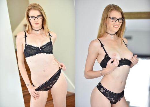 Ashley - Stunner In Specs - FTV Milfs - MILF Porn Gallery