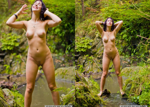 Amy Londer Naked In Cold River - My Boobs - Boobs Image Gallery