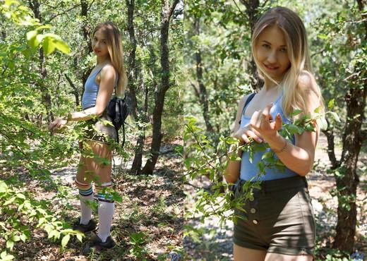 Dominica - Outdoor Fun - Nubiles - Teen Picture Gallery