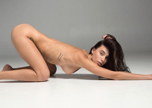 Frey - Watch4Beauty - Solo Nude Gallery