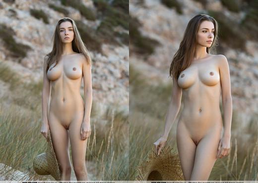Dunes - Mariposa - Femjoy - Solo HD Gallery