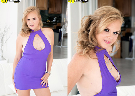 Micky Lynn's return fuck - 40 Something Mag - MILF Sexy Photo Gallery
